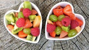 comida sana mito o verdad 2054514594 6506450 1300x731 300x169, ¿Cómo iniciar una vida saludable?