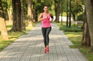 correr 8.jpg1 8 300x197, ¿Cómo iniciar una vida saludable?